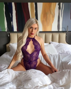 Maguy escort, happy ending massage