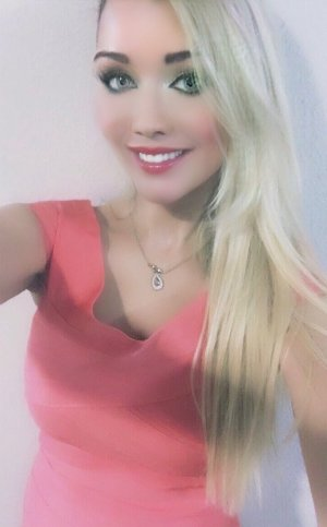 Rachelle shemale escort girl