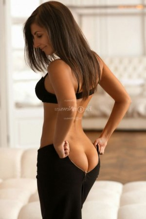 Agnesa erotic massage, live escort